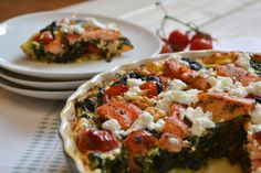 Quiche mit Spinat, Tomaten und Lachs