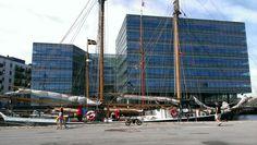 Træskibe træf i Odense havn søndag d. 20. juli. Ca 20 træskibe samledes i Odense havn søndag inden de sejlede ud i samlet flok mandag morgen for at deltage i Fyn Rundt for  træskibe.
