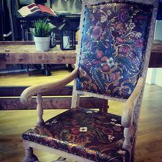 #møbeltrekking #inspirasjon #møbelstoffer #brumunddal #ringsaker #skinn #leather #gyldenlær #stol #jobb #designD