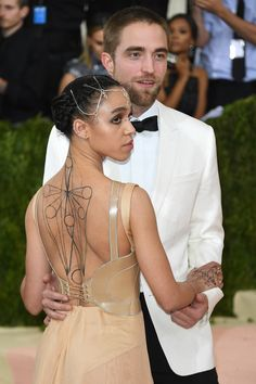 Robert Pattinson Might Have Just Called Off His Wedding to FKA Twigs