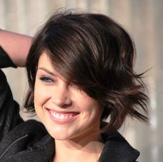 Jessica-Stroupshort-dark-hairstyles-for-fine-hair.jpg (774×768)