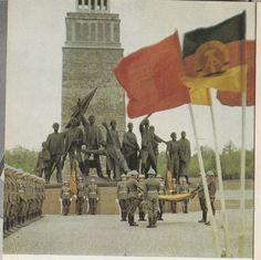 East German Soldiers Taking Oath Of Enlistment West Berlin, Berlin Wall, Soviet Army, Soviet Union, East Germany, Berlin Germany, Military Photos, Military History, Communist Propaganda