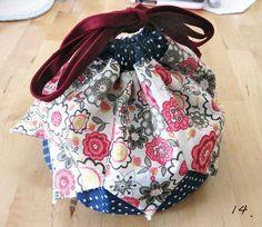 How to Make a Patchwork Drawstring Bag - Herzlich willkommen Drawstring Bag Pattern, Drawstring Bag Tutorials, Small Drawstring Bag, Sewing Hacks, Sewing Tutorials, How To Make A Gift Bag, Patchwork Bags, Bag Patterns To Sew, Fabric Bags