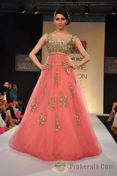 http://files.prokerala.com/news/photos/imgs/800/a-model-walks-the-ramp-displaying-an-outfit-by-54066.jpg