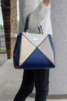 3cf4a1549 Bolsa Eliana - Stella Sofia #couroecológico #bolsa #azul #dourada  #acessório #