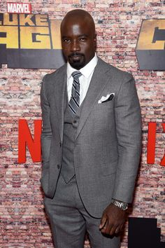 mike-colter-rosario-dawson-netflix-luke-cage-tv-series-premiere-red-carpet-fashion-tom-lorenzo-site-5