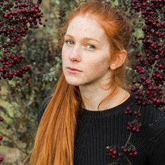 Beautiful Red Hair, Beautiful Redhead, How To Feel Beautiful, Red Heads Women, Long Red Hair, Ginger Hair, Natural Red, Freckles, Redheads
