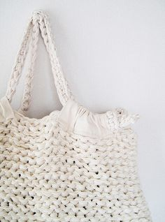 "New Cheap Bags. The location where building and construction meets style, beaded crochet is the act of using beads to decorate crocheted products. ""Crochet"" is derived fro Knitting Blogs, Knitting Projects, Knitting Patterns, Crochet Patterns, Purse Patterns, Sewing Patterns, Cotton Cord, Diy Accessoires, Knitted Bags"