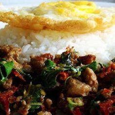 Pad Krapow   Spicy Chicken Thai Basil
