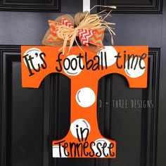 UT Vols Orange & White Polka Dots Tennessee Vols Football Wooden Door Hanger // Go Big Orange Door Decor // University of Tennessee Wreath