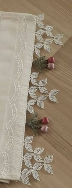 Instructions on this crochet edging Learn To Crochet, Diy Crochet, Crochet Toys, Knitting Stitches, Knitting Needles, Point Lace, Crochet Borders, Needle Lace, Ribbon Embroidery