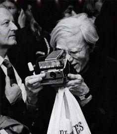 Andy Warhol - Genio Pop - Maestro di Fotografia.. Adesso parteciperebbe certamente ai Corsi di Fotografia organizzati da TimeLab