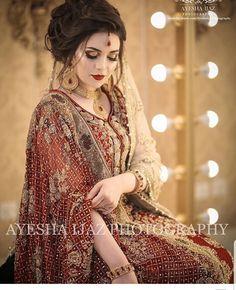 Beautiful shot of our Gorgeous Bride captured by by ❤👰🏻 Latest Bridal Dresses, Bridal Mehndi Dresses, Pakistani Bridal Makeup, Pakistani Wedding Outfits, Bridal Dress Design, Bridal Outfits, Bridal Style, Pakistani Wedding Hairstyles, Bridal Lehenga