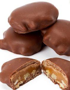Recipe for chocolate pecan turtles