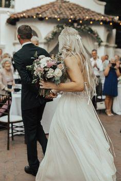ee95d433c50  sarahseven  wedding  dress  couple  bride  weddingreception   outdoorwedding  weddingbouquet
