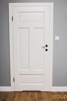 Sosnowe drzwi RONKOWSKI z kolekcji RETRO, model PIANO.