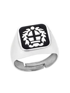 Ανδρικό Ασημένιο Δαχτυλίδι 925 με Σμάλτο Αναφορά 023065 Ένα όμορφο δαχτυλίδι που μπορείτε να χαρίσετε σε έναν άνδρα το οποίο είναι κατασκευασμένο από Ασήμι 925 σε λευκό χρώμα.Επίσης το δαχτυλίδι μας στολίζεται με μαύρο σμάλτο.