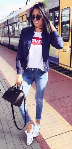 casual style addict: bomber + top + bag + rips