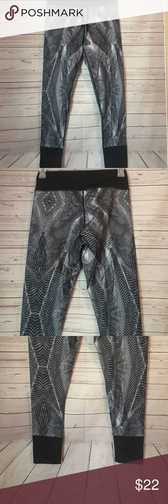 Reflex Tights Black and gray swirl pattern Tights. Great for winter as they have the warm lining. Size M in women's. Brand new with tag! 90 Degree By Reflex Pants Leggings