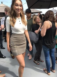 Today @DebnamCarey walked past me and I died a little. HBD, queen (x)