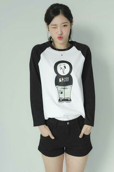 Wallpapers for Apple - iPhone, iPad, iMac and Macbooks! Kpop Girl Groups, Korean Girl Groups, Kpop Girls, Jung Chaeyeon, Kim Chungha, Jeon Somi, Korean Celebrities, Woman Crush, Ulzzang Girl