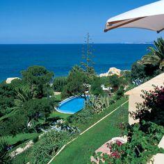 Enjoy a Portuguese style vacation house. Agaves, Portuguese, Contemporary Design, Golf Courses, Tropical, Architecture, Beach, Garden, Portugal