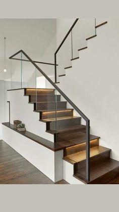 Modern Stair Railing, Stair Railing Design, Home Stairs Design, Staircase Railings, Stair Decor, Interior Stairs, House Design, Staircase Ideas, Railing Ideas