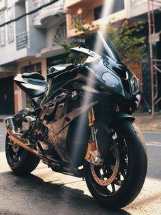 E90 Bmw, Bmw Suv, Bmw S1000rr, Bike Bmw, Racing Motorcycles, Motorcycle Bike, Bmw Truck, Bmw Wagon, Cool Car Backgrounds