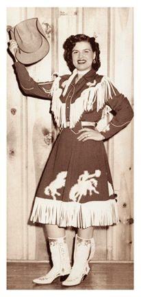 Patsy Cline in a western outfit with fringed skirt and shirt, 1950s. #vintage #cowgirls #singers #fashion