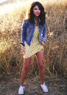 d9358a793d2a I just love this outfit Selena Gomez wore in her Hit The Lights music video.