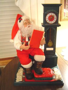 Holiday Creations 1993 SANTA CLAUS w Clock Christmas Animated Motionette