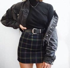 Foto www qunel com/ Mode Straße Stil Schönheit Make-up Haare Männer Stil Womenswe Grunge Style Outfits, Mode Outfits, Retro Outfits, Trendy Outfits, Fall Outfits, Vintage Outfits, Fashion Outfits, Skirt Fashion, Fashion Hair