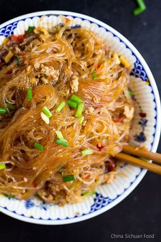 Ants climbing a tree-famous Chinese stir fried rice noodles Ants Climbing a Tree-vermicelli - Ants Climbing a Tree Asian Noodle Recipes, Asian Recipes, Rice Noodle Recipes, Rice Noodle Soups, Indonesian Recipes, Vermicelli Recipes, Vermicelli Noodles, Cellophane Noodles, Good Food