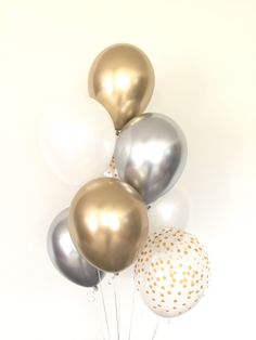 Party Decorations Gold And White Balloons Ideas For 2019 Silver Party Decorations, Balloon Decorations Party, New Years Decorations, Birthday Party Decorations, Birthday Ideas, Birthday Recipes, Balloon Garland, Party Themes, Happy Birthday