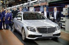 C'est la toute première #Mercedes classe E break sortie des chaînes de montage - http://ift.tt/1HQJd81