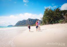 Oahu Family Photography, Disney Aulani Resort Beach Photos, KoOlina Photographer, Turtle Bay Resort Beach Portraits, Photographer in Waikiki, Large Group Family Pictures at the Beach www.jenniferbrotchie.com