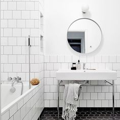 Love this bathroom. Simple yet so beautiful! Styling @blackbirdstyle @styledbyemmahos for @entrancemakleri #bathroom #badrum #tile #hexagon #beautiful #interior #inredning #inspiration #inspo #interiorinspo #kakel