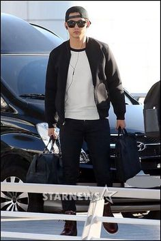 20141112 Taecyeon @ ICN Airport [en route to NYC]