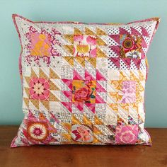 https://flic.kr/p/AtbTs7 | Sometimes when I think of @annamariahorner fabrics, I think only of rich, saturated colors.  But her fabrics are so diverse. I picked out pinks and golds from my collection creating a soft and warm palette.  I used a variation of my favorite block (#rocky