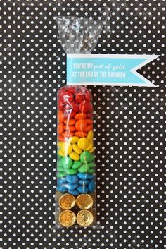 St Patricks Day favor- free printable end of the rainbow treat