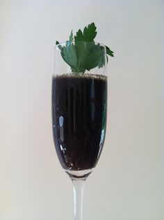 vitamix recipes The Purple Beast - The morning nutritional powerhouse and an awesome vitamix recipe for weight loss. Replace breakfast with thuis beauty and make sure to drink pleny of water before and after consumption.