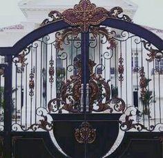 Pintu Pagar Rumah Mewah