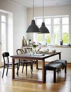 Bild fotograferad för IKEA Livet hemma, 150629. Styling Pella Hedeby Beställare Futurniture, Pella Hedeby & Johanna Ridemar. // obsessed with this gorgeous IKEA table!