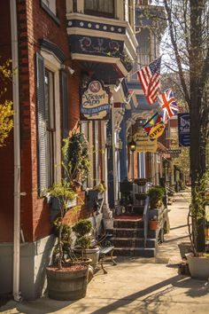11 places in pennsylvania you need to visit during spring for Traditional american architecture