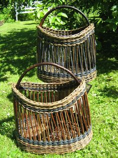 Shopping baskets, willow and bicycle tube Inkle Weaving, Weaving Yarn, Willow Weaving, Basket Weaving, Basket Crafts, Vintage Baskets, Basket Decoration, Gourds, Wicker Baskets