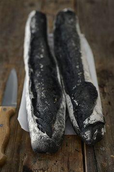 Baguettes de pain au charbon actif