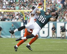 Zach Ertz #86 of the Philadelphia Eagles makes a one-handed catch against Jordan Poyer #33 of the Cleveland Browns in the first quarter at Lincoln Financial Field on Sept. 11, 2016 in Philadelphia.