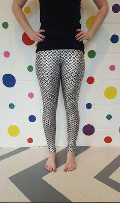 Silver Leggings, Women's Leggings, Mermaid Leggings, Leggings Fashion, Halloween Costumes, Capri Pants, Stitch, Crochet, Lace