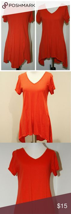 Orange Cotton Knit Tunic Tee Orange Cotton Knit Tunic Tee EUC Flirty, flattering fit Stretch Cotton Vibrant Orang Color unbranded Tops Tunics