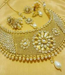 Black friday deals and offers mirraw Buy Designer White Wedding Bridal Choker Necklace Set necklace-set online Indian Jewellery Design, Jewelry Design, Fashion Jewellery, Indian Jewelry, Antique Jewellery Online, Bollywood Jewelry, Imitation Jewelry, Wedding Jewelry Sets, Cute Jewelry